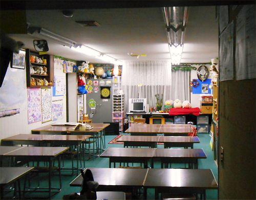 08 500 20150215 深夜の教室、人形が