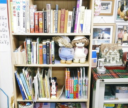 05 500 20150406 洋書:Englishbooks in a shelf