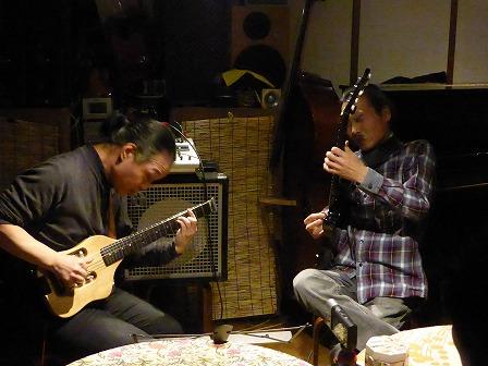 g村山義光講師とギター受講者 松阪市から受講です