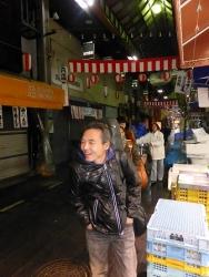 g村山義光講師と終了後、黒門市場を大行進