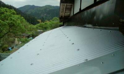 デッキの屋根
