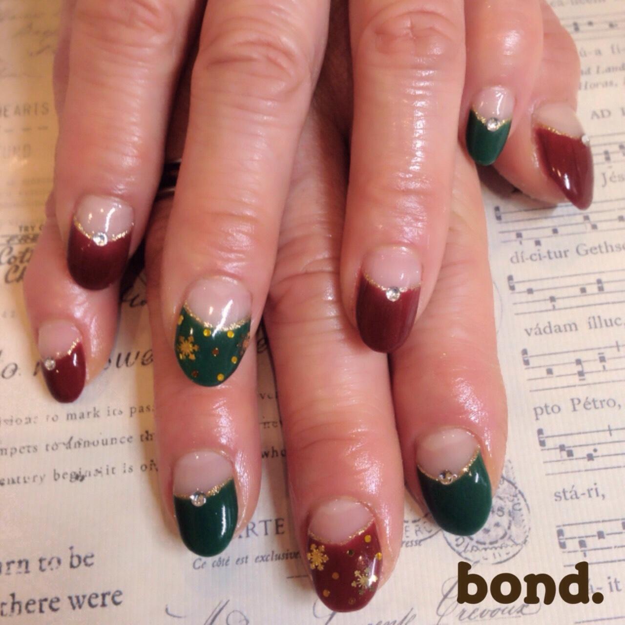 赤・緑・ゴールドでクリスマスネイル 若松区高須 ネイルサロン , 若松区高須 美容室 hair,make bond.併設ネイルサロン