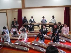 箏クラブ発表会01