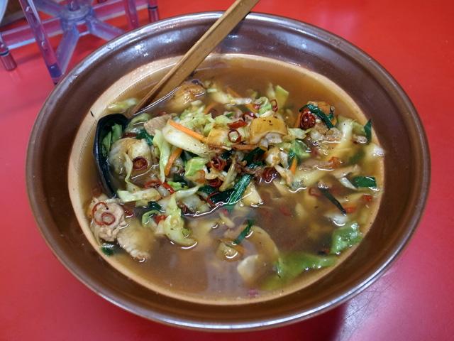 ベトコンラーメン(しょうゆ味ベース)(半辛)