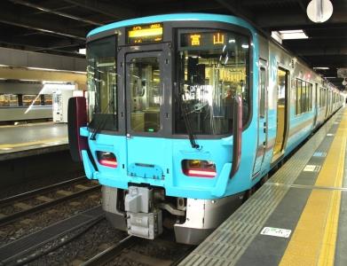 IRいしかわ鉄道521系