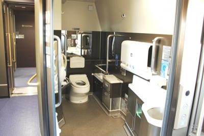 電動車いす対応洋式トイレ