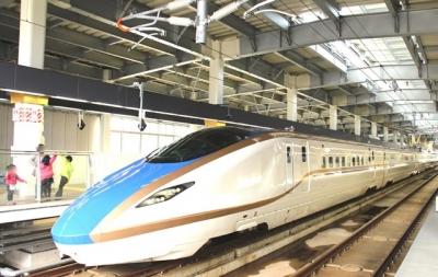 金沢駅停車中E7