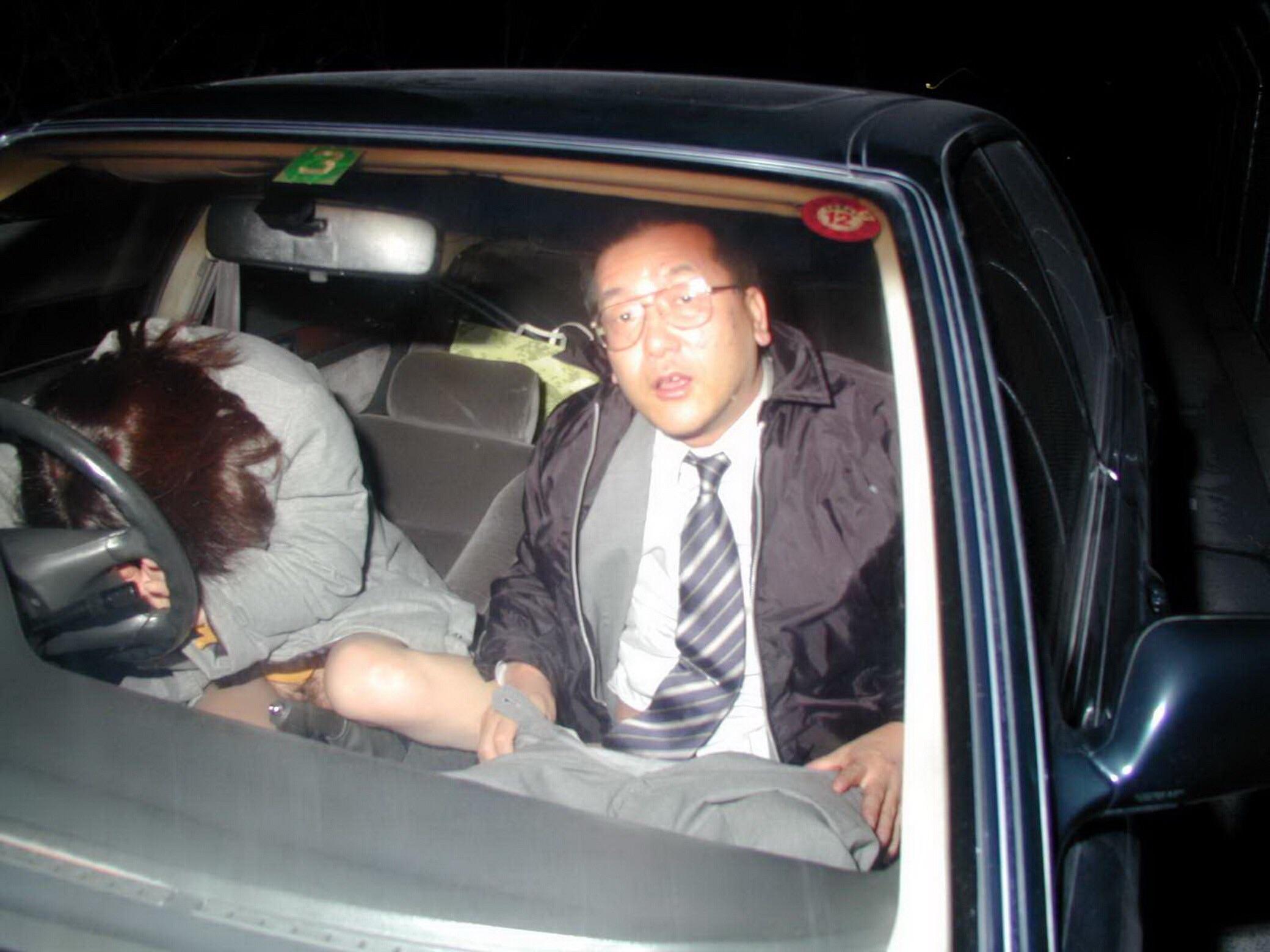 Японский секс в машине 21 фотография