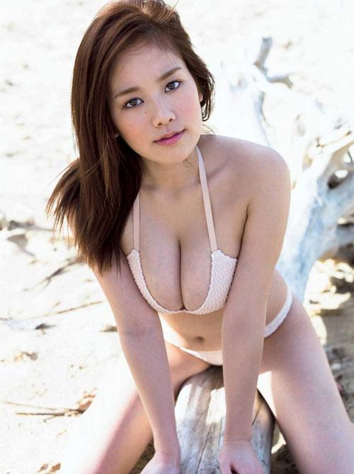 筧美和子のおっぱいが過ごいことに