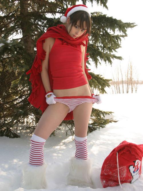 ちょっとエッチなサンタコス着てる女の子に慰めてもらう会wwww【画像30枚】