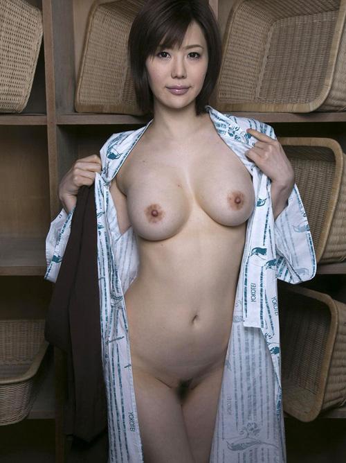 ムチ肉な上に巨乳おっぱい浴衣を着た美女としっぽり絡みSEX