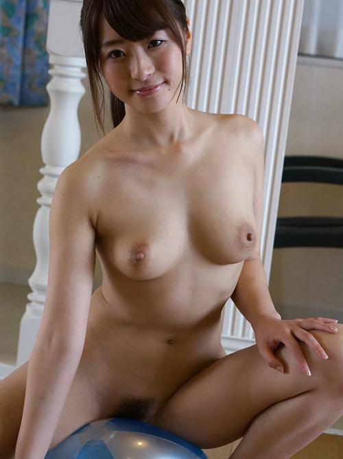 初美沙希 綺麗な全裸グラビア
