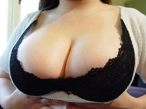 【巨乳画像】着衣巨乳がハンパなくエロいっすwwwww巨乳っていいですよね~激エロ着衣巨乳画像まとめ!