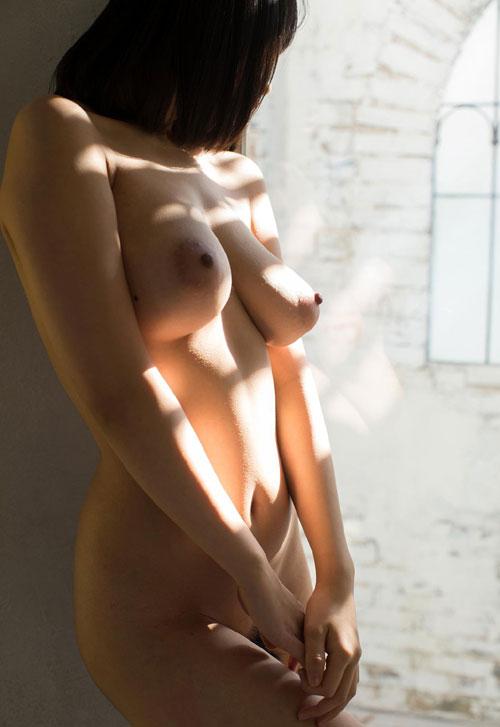 長瀬麻美の垂れ乳巨乳輪おっぱい29