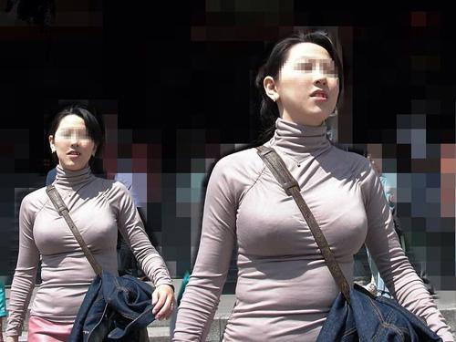 【巨乳画像】街で見かけるバカデカいおっぱいの持ち主達の着衣巨乳画像集めてみましたっwwww激エロ巨乳画像まとめ!