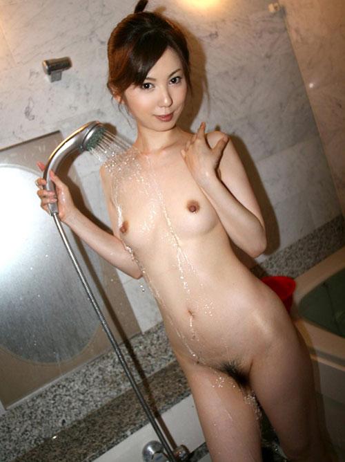 シャワー浴びる濡れ濡れおっぱい14