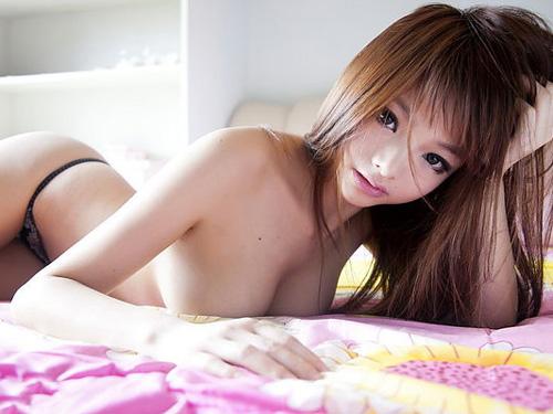 【李玲 エロ画像】台湾最強のコスプレイヤーの巨乳から目が離せないんだがwww