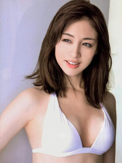 【才女】脱げる女子アナ新井恵理那(25)のエロ画像×47【水着】