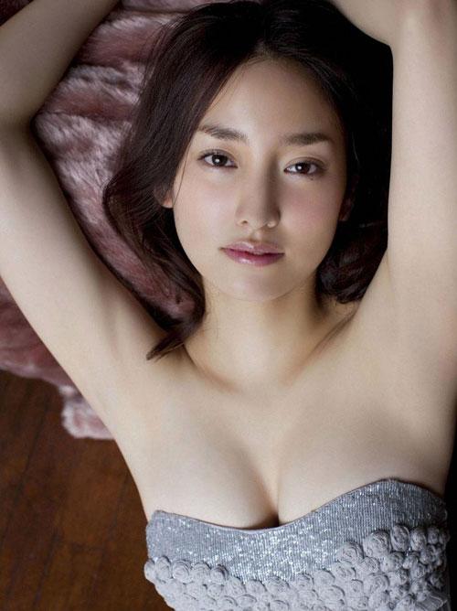 いい女は腋もきれいツルツルの美ワキ画像29枚