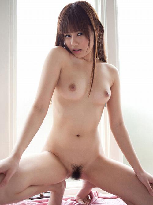 瑠川リナ ぷっくり唇のDカップ美乳おっぱい画像【68枚】