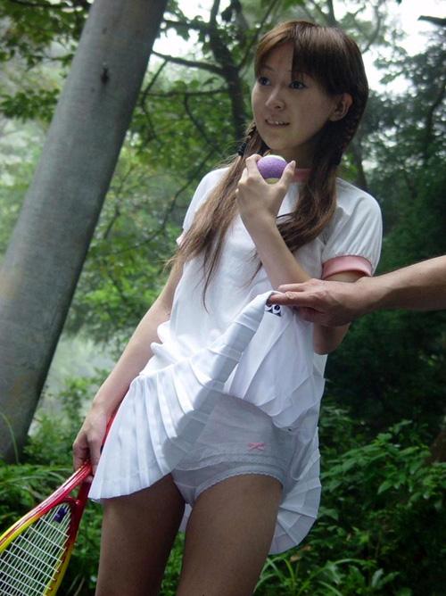 テニスウエアのアンスコって見えてもいいハズなのに見えると意外とエロいwww(画像)