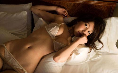 知花メイサの桃色巨乳輪おっぱい13