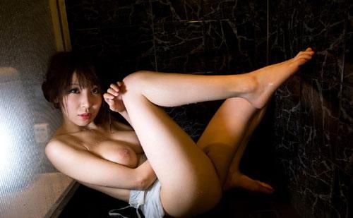 知花メイサの桃色巨乳輪おっぱい20