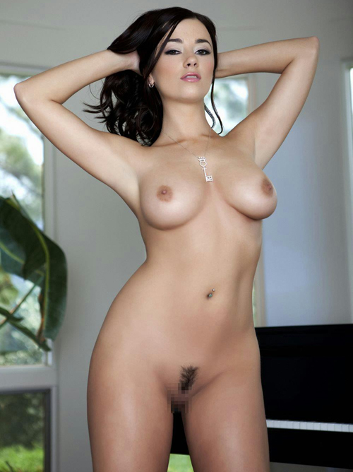外国人女性の美しい一糸まとわぬフルヌード画像44枚