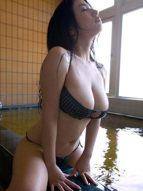 【過激画像】抜けるグラドルのムチムチ水着姿wwwwww これはHすぎるwwww