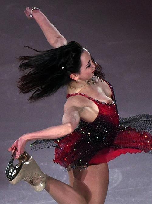 【ボッキ注意】フィギュアスケートで乳頭ポロリえっろすぎwwwwwwwwww(画像あり)