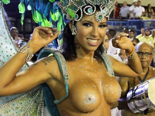 すげー!本場ブラジルのサンバカーニバルがおっぱいどころかまんこまでまる見えじゃねぇかwwwwww