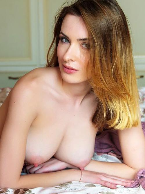 ナンか、その巨乳、白くて、乳首鮮やかなピンクで、めちゃくちゃエロいんですケドwwww