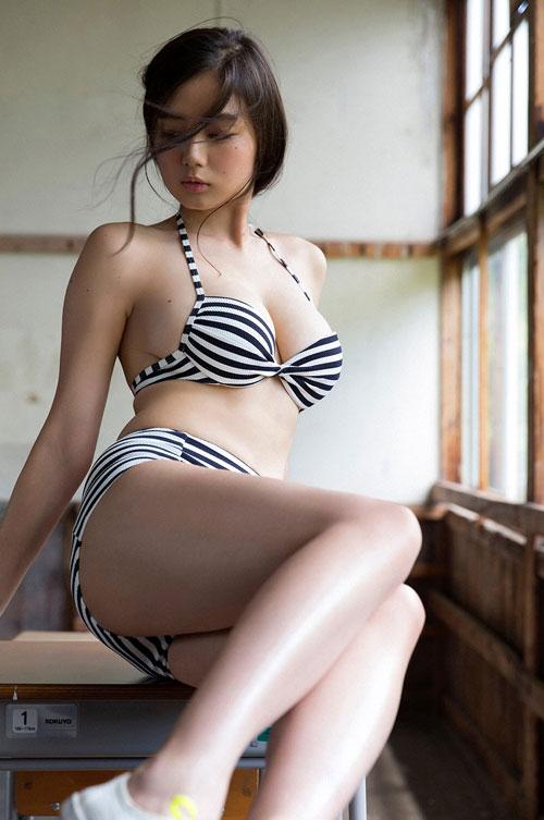 片山萌美Gカップの長身おっぱい4
