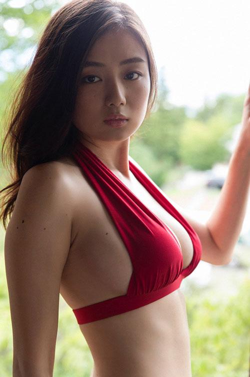 片山萌美Gカップの長身おっぱい21