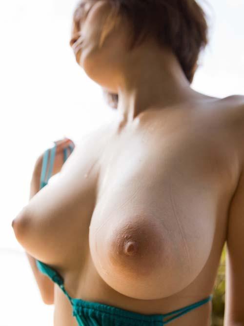 奥田咲 Hカップの美しいエロボディ画像