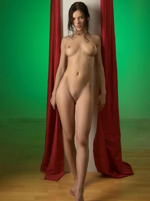 ため息出るほど美しいこれぞワールドクラスの外国人美女の美脚画像