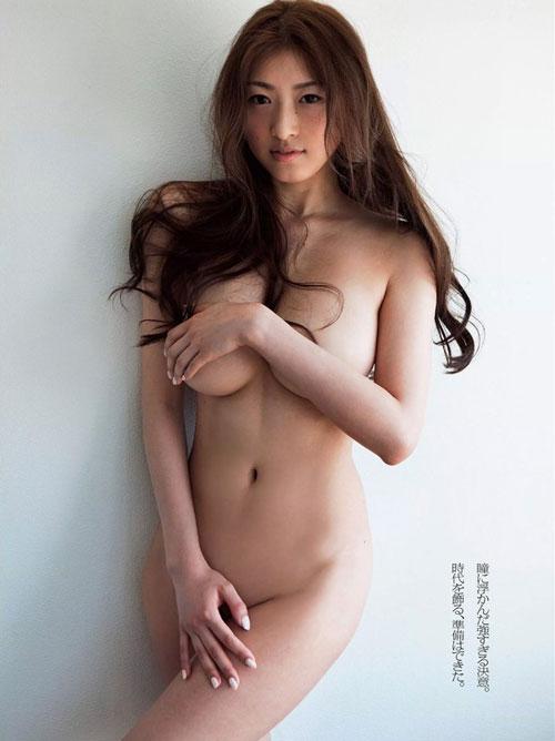 """174cm長身""""安久澤ユノ""""の全裸手ブラヌード"""
