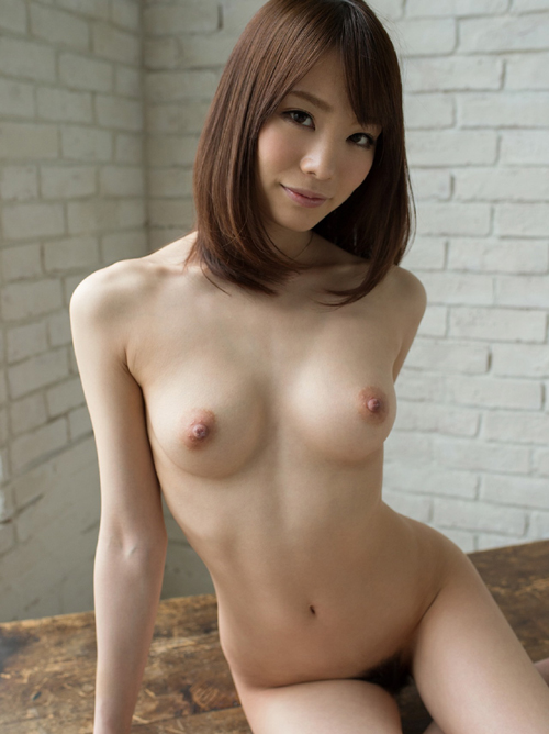 鈴村あいり 妖艶なる大人のヌード画像