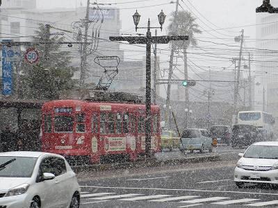 吹雪の長崎市内