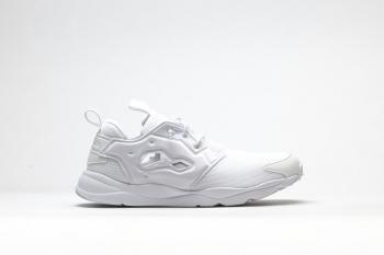 reebok-furylite-triple-white-00.jpg