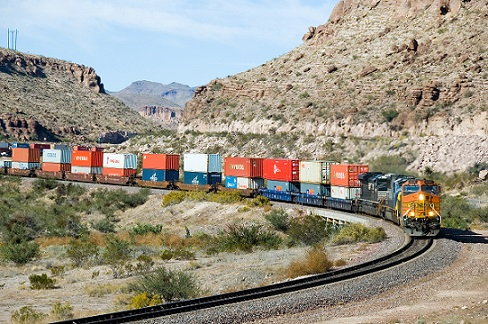 BNSF_5216_West_Kingman_Canyon_AZ_(293094839).jpg