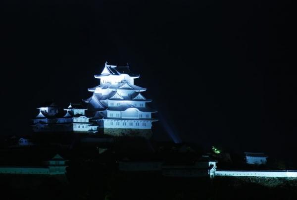 hi.姫路城ライトアップ 20150420 011