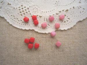 チェコキューブ4mm:レッド、ピンク