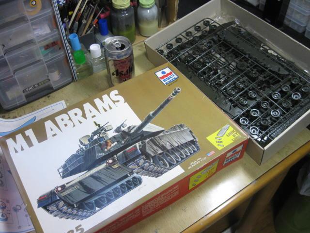 M1 ABRAMS の1