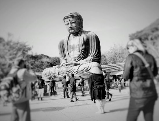 022811大仏と僧侶