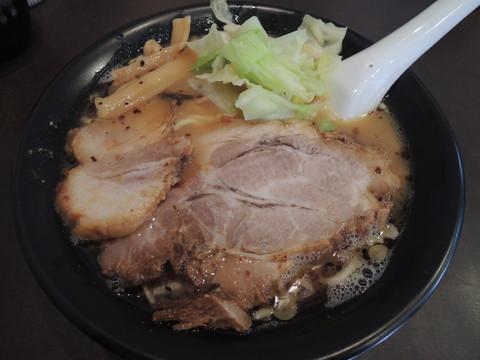 鶏白湯醤油らー麺(650円)