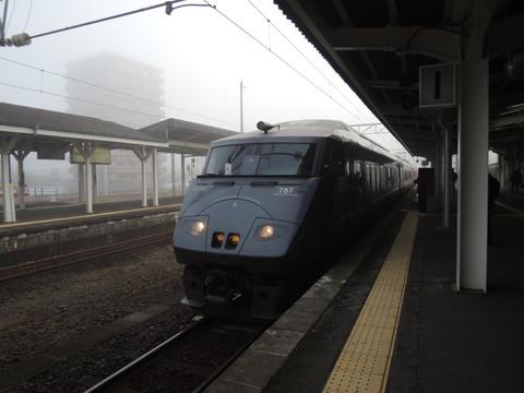 都城駅の鹿児島中央行特急きりしま3号(6003M)(787系)