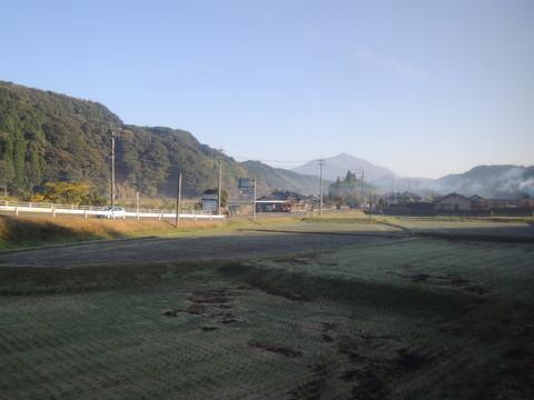 日豊本線霧島神宮・国分間(霧島山の遠景)