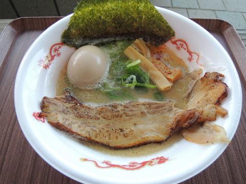 鶏そば(800円)