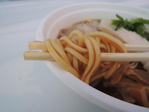 大和ヌードルの麺